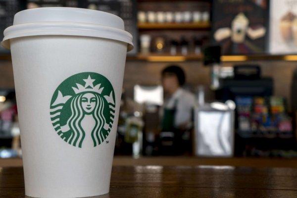 Starbucks во второй раз оказался в расистском скандале