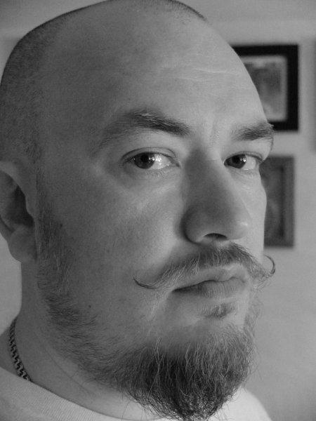 Умер Владислав Кунгуров, создавший жанр «стишков-пирожков»
