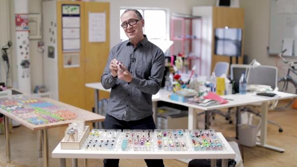 Создатель Circuit Cubes «оживил» конструктор LEGO