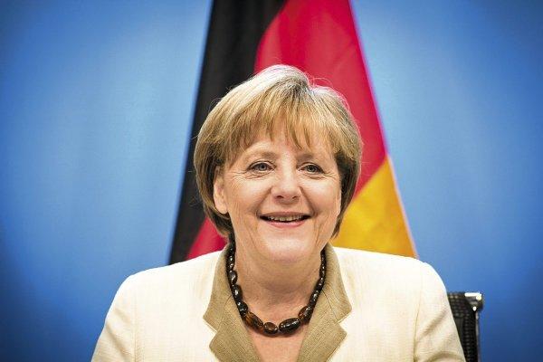 Евроскептики подали в суд на Ангелу Меркель