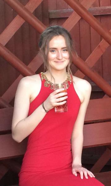 Мать 17-летней девушки рассказала о «тихой» смерти, которая убила ее дочь