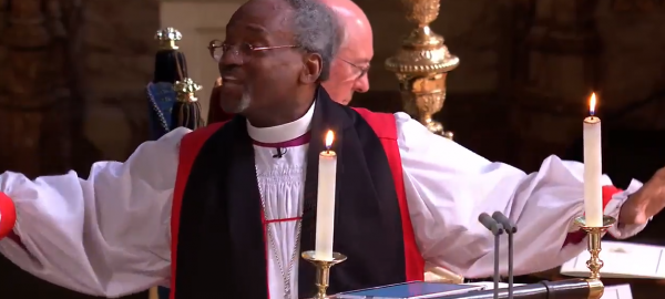 Священник на свадьбе принца Гарри и Меган Маркл рассмешил публику до слёз