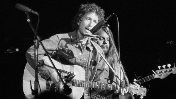 Электрогитару Боба Дилана продали на аукционе за $490 тыс