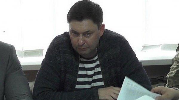Советник Порошенко призвал к обсуждению обмена Вышинского