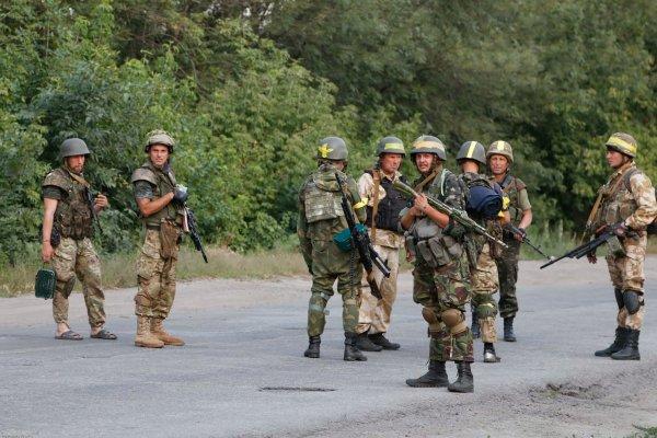 Эксперт: Украина в июне может начать войну в Донбассе