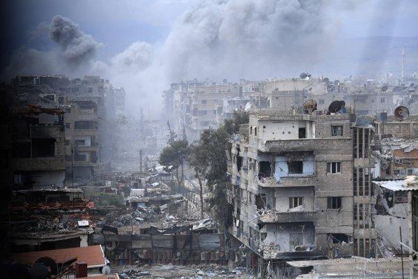 Минобороны РФ: Сирийские саперы обнаружили в Ярмуке более 60 взрывоопасных ловушек