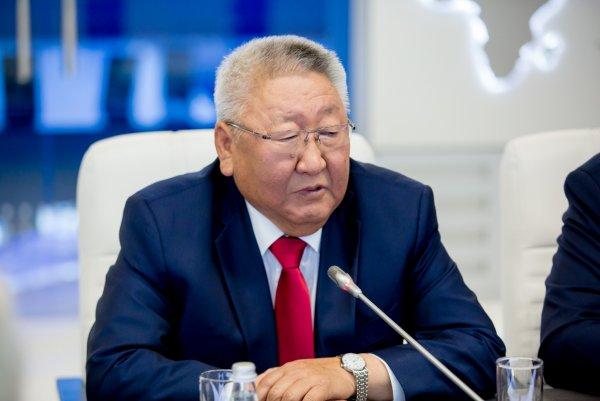 Глава Якутии объявил об уходе в отставку