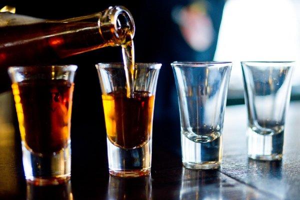 В Минздраве советуют каждый год повышать акцизы на спиртное и сигареты