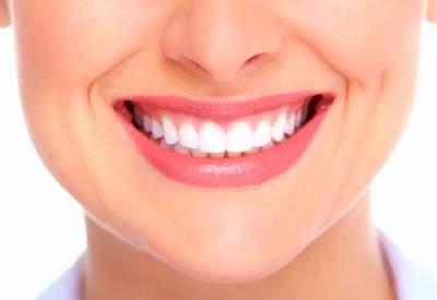 Стоматологи опровергли популярные мифы по уходу за зубами