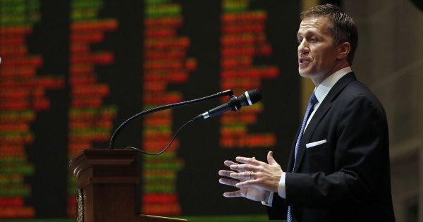 Губернатор штата Миссури подал в отставку из-за секс-скандала с любовницей