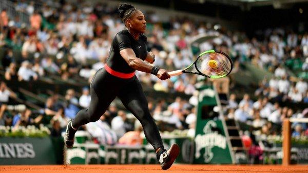 Костюм «кошки Ваканды» на теннисистке Серене Уильямс оценила Мария Шарапова
