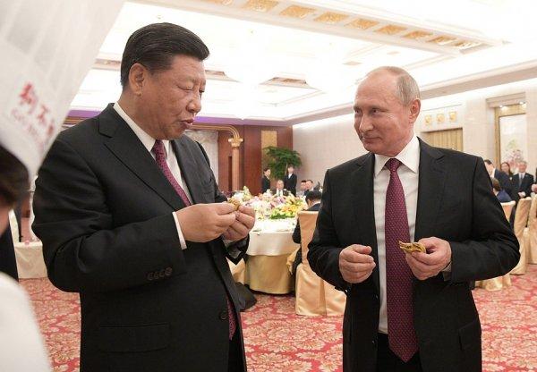 В рамках визита в Китай Путин научился готовить местные блюда