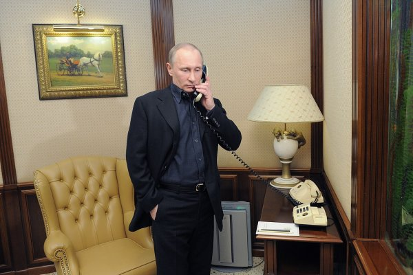 Порошенко и Путин пообщались по телефону