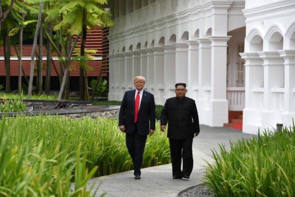 Трамп показал Ким Чен Ыну своего