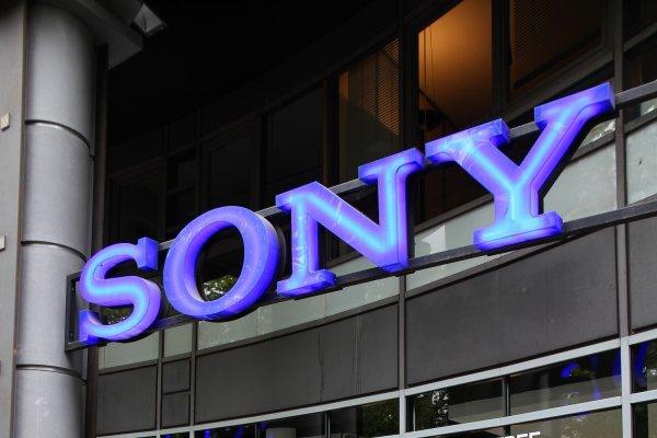 Sony не собирается спешить с производством безрамочных смартфонов