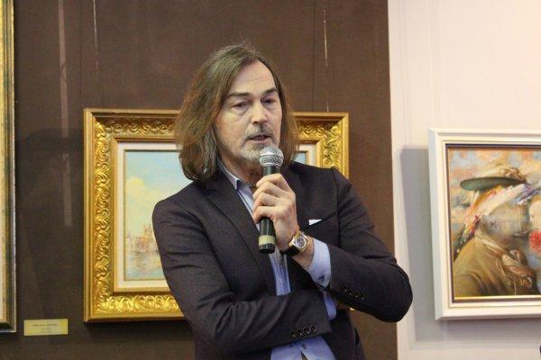 Никас Сафронов не удержался от слез в эфире передачи «Прямая речь»