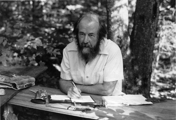 Вдова Солженицына поведала об интервью писателя, которое он дал Говорухину