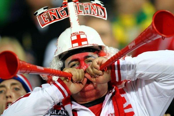Троим английским футбольным болельщикам запретили посещать матчи ЧМ-2018  из-за нацистских приветствий