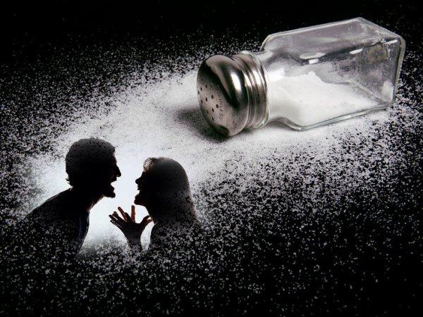 В Башкирии судья очертила солью магический круг возле своего стола