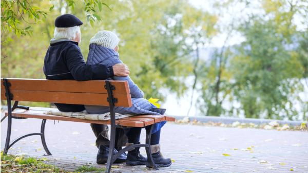К 2035 году жители Петербурга будут жить в среднем до 80 лет