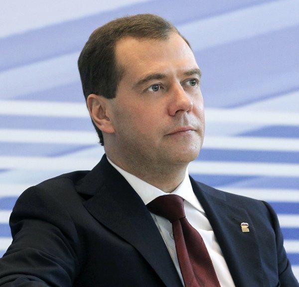 Медведев потребовал защиты пенсионеров от увольнения из-за возраста