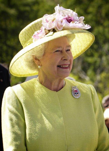 Елизавета II утвердила выход Великобритании из ЕС