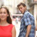 Девушку из мема «неверный парень» нашли на «шокирующих» снимках