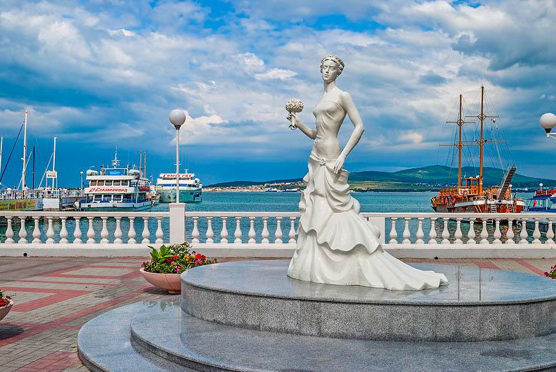 Геленджик город - курорт на берегу Черного моря