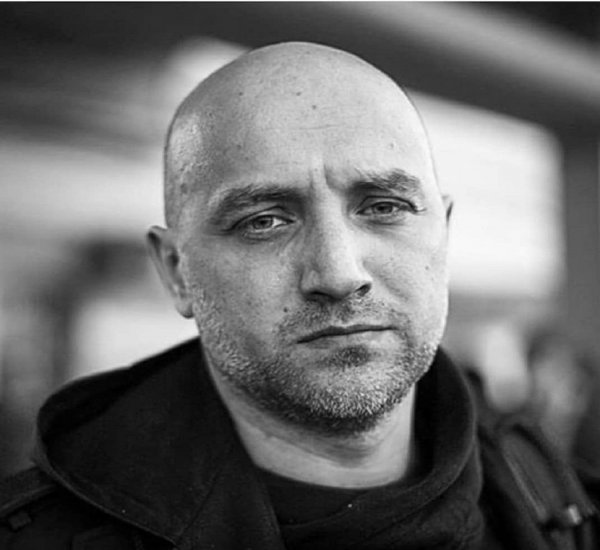 Писатель Прилепин объяснил, почему ему пришлось вернуть семью в Россию