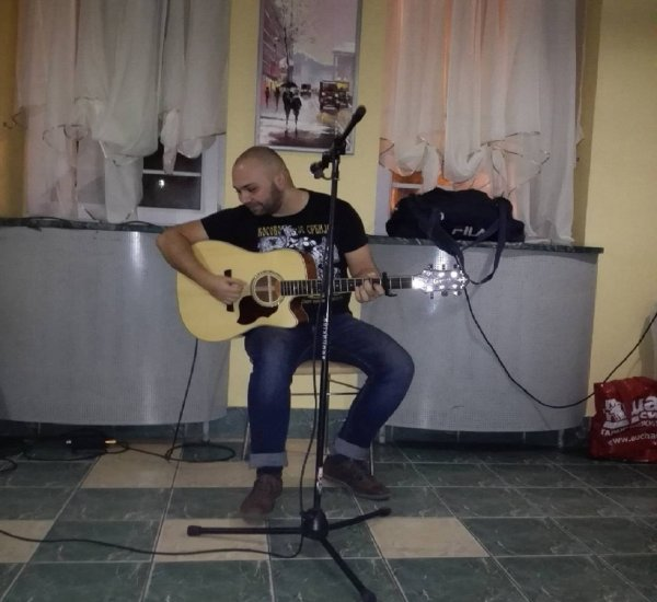 Рок-бард из Волгограда отказался выступать на «Нашествии» из-за бытовой техники