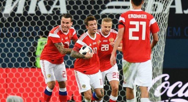 Лена Миро осудила присвоение звания мастеров спорта «колченогим» российским футболистам