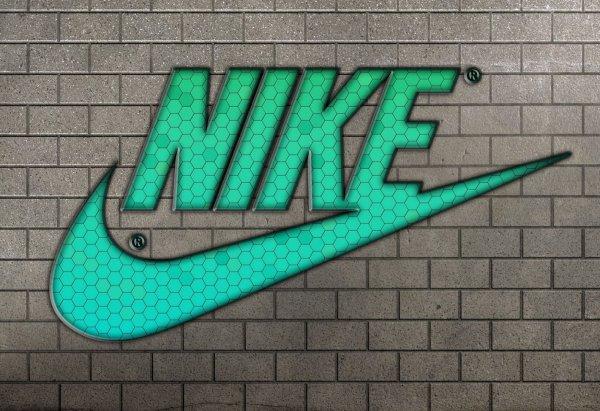Nike выпустили фантастическую рекламу с участием звёзд футбола