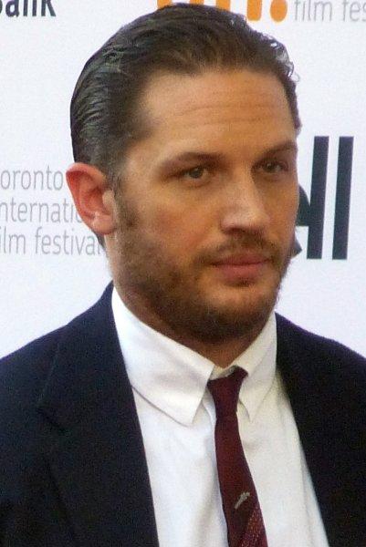 Том Харди заключил контракт на съемку трех фильмов о Веноме