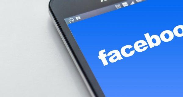 Facebook купил стартап для борьбы с фейковыми новостями