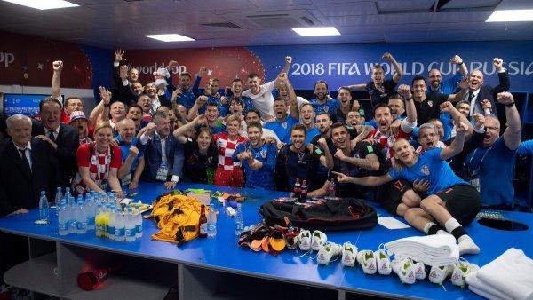 Президент Хорватии присоединился к поздравлениям сборной в раздевалке