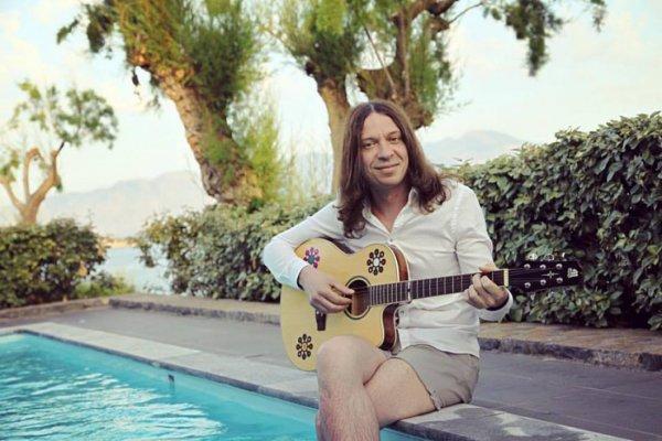 В честь 10-летия кончины Егора Летова Найк Борзов перепел песню «Про дурачка»