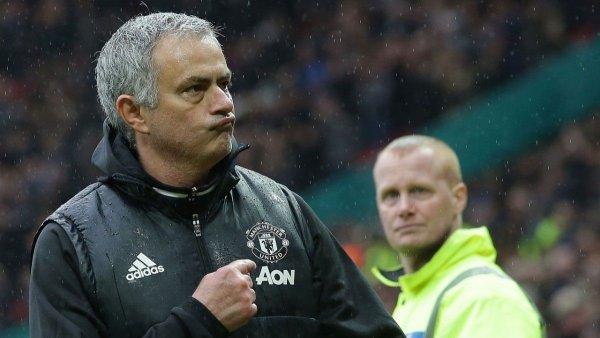 Тренер «Манчестер Юнайтед»: Количество симуляций в футболе испортило его качество