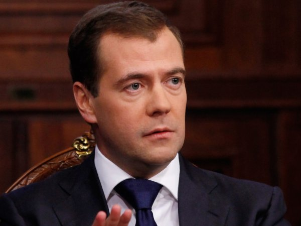 Премьер-министр РФ поручил создать в школах детское ТВ