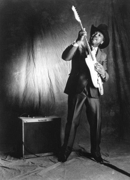 В США скончался легендарный блюзовый певец Отис Раш
