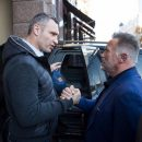 Шварценеггер впервые приехал в Киев и встретился с Кличко