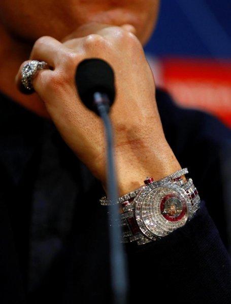 Криштиану Роналду порадовал себя бриллиантовыми часами после обвинений в изнасиловании