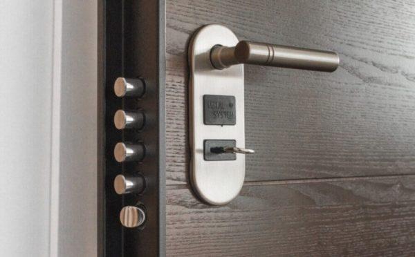Надежные двери, залог вашей безопасности