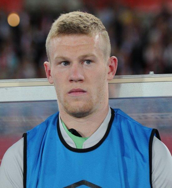 Ирландский футболист оплатил пребывание шести бездомных в отеле