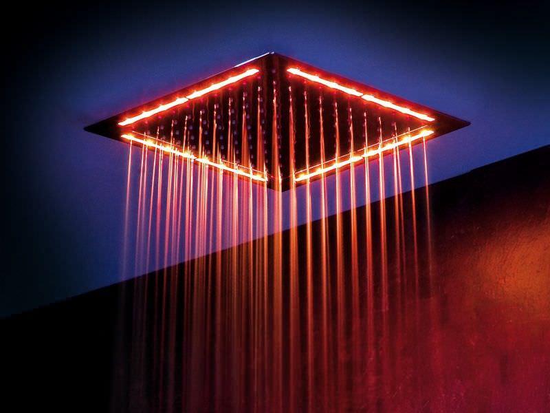 Что такое тропический душ с подсветкой