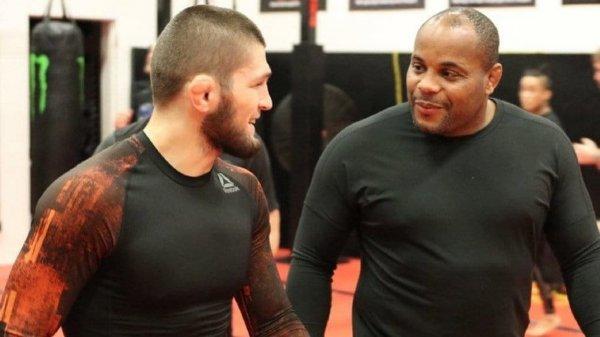 Кормье в поддержку отца Хабиба рассказал о случае на тренировке