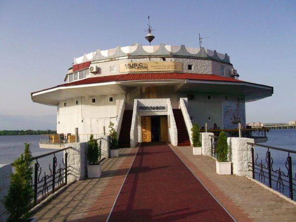 Ресторан «Поплавок» - место для романтических встреч и проведения свадеб
