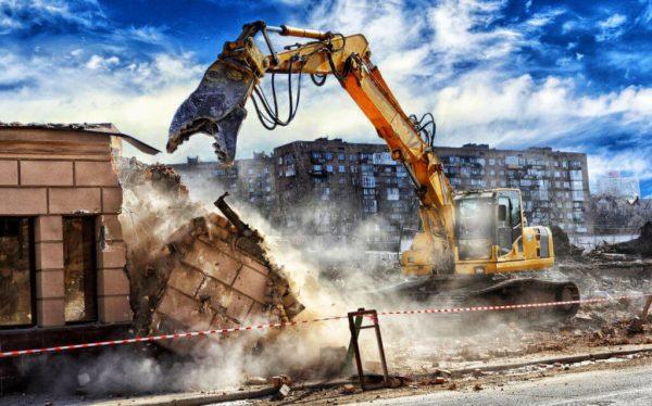 Когда и в каких случаях необходимо разрешение на демонтаж зданий?