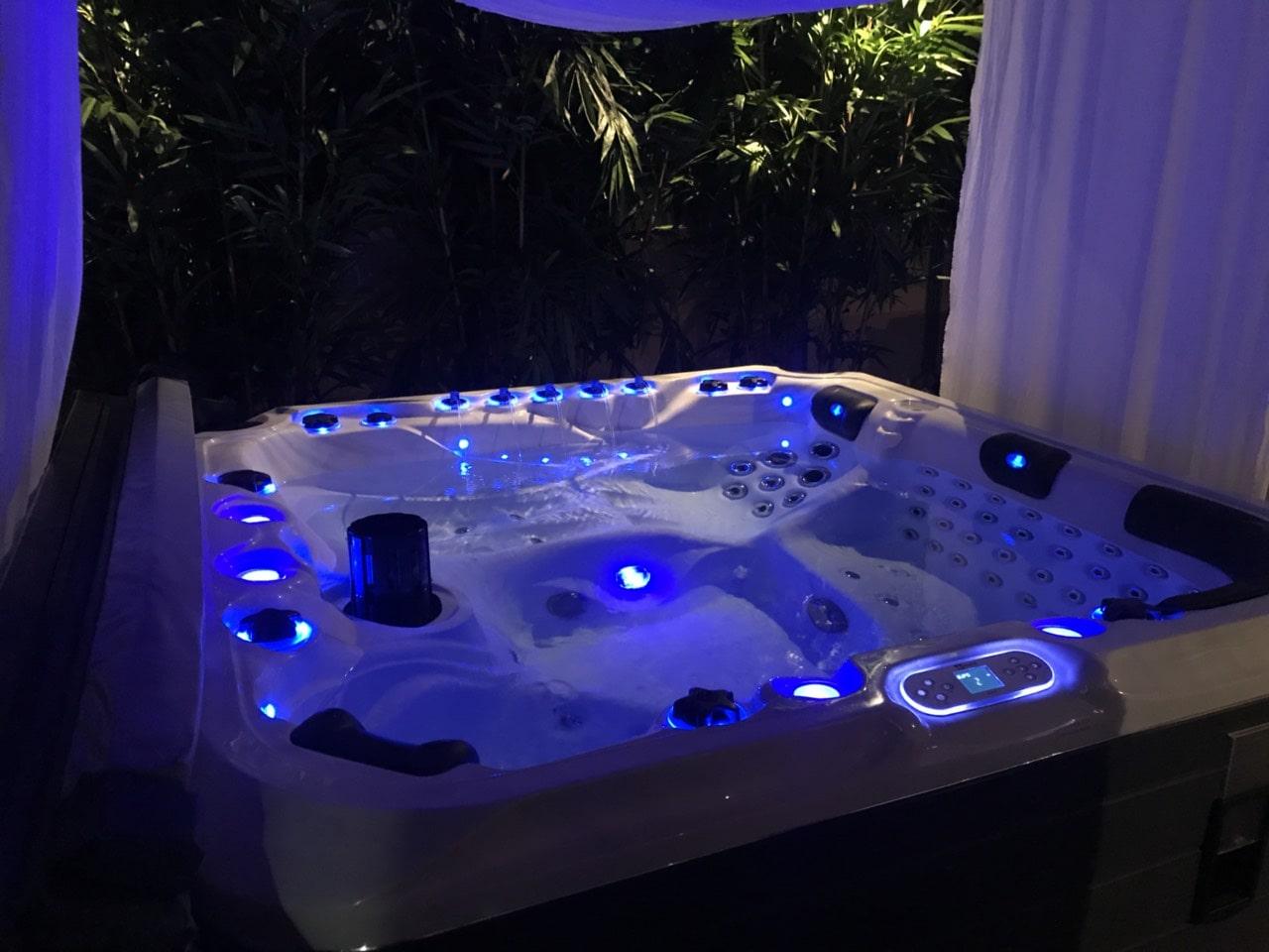 Преимущества встраиваемых СПА-бассейнов