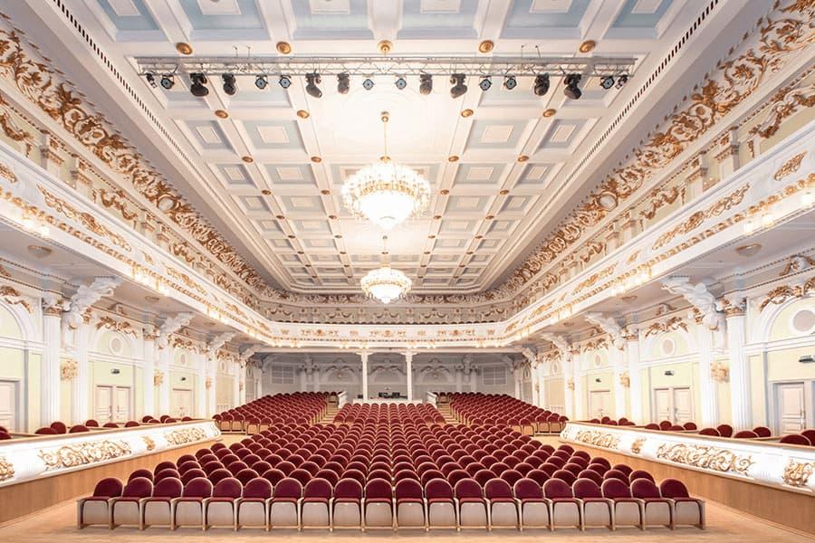 Театральная мебель как залог комфорта и любви посетителей